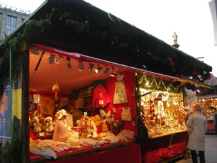 Munichs's biggest Christmas market at Marienplatz