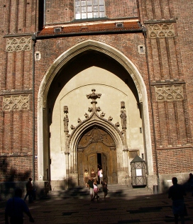 Frauenkirche entrance